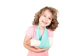 Familieunfallversicherung Kinder gut behandelt